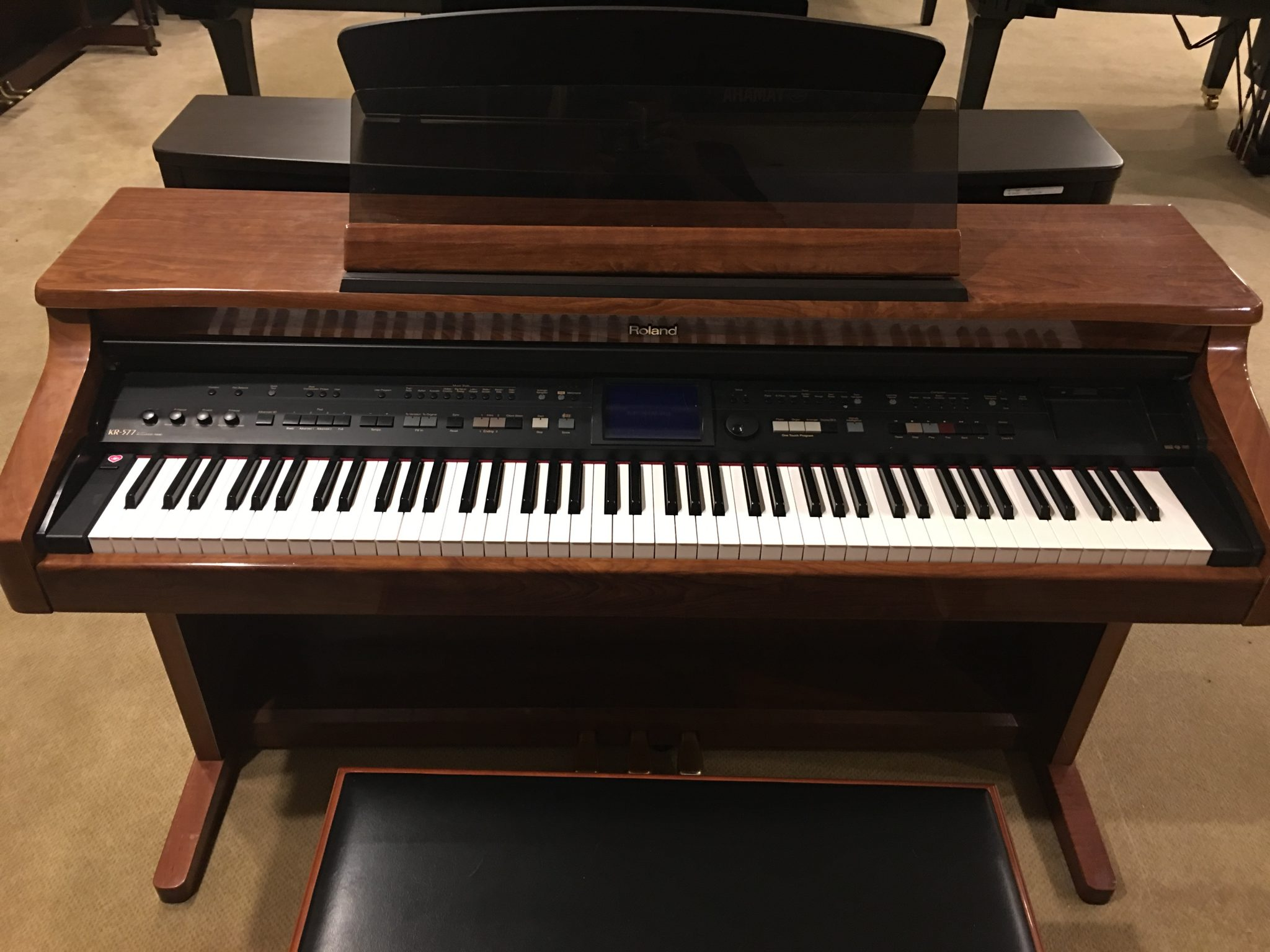 roland kr577 yamaha pianos piano distributors piano new used. Black Bedroom Furniture Sets. Home Design Ideas